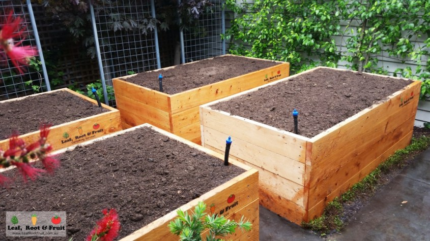 bac m che wicking bed lombri tube terre permaculture. Black Bedroom Furniture Sets. Home Design Ideas